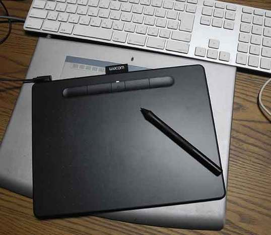 K0 Wacom Intuos Medium02.jpg